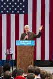 Keene, New Hampshire - PAŹDZIERNIK 17, 2016: Poprzedni U S Prezydent Bill Clinton mówi w imieniu jego żony Demokratyczny prezyden zdjęcia stock