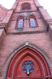 红砖门面和塔,教会,街市Keene,新的Hampshir 库存照片