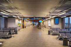 KEFLAVIK, ΙΣΛΑΝΔΙΑ - 15 Μαρτίου 2015: Αίθουσα του διεθνούς αερολιμένα Keflavik Στοκ Εικόνες