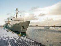 Keflavik fartyg längs pir Royaltyfria Foton