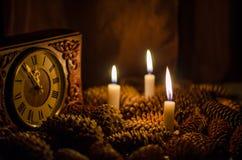 Kegel und Kerzen Stockfotos