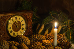 Kegel und Kerzen Lizenzfreie Stockfotos