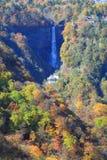 Kegon秋天和湖Chuzenji在日光,日本。 免版税库存照片
