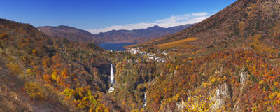 Kegon Spada blisko Nikko, Japonia w jesieni Obrazy Royalty Free