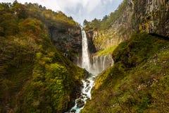 Kegon Spada jeden Japans wysokie siklawy w jesieni przy Nikko parkiem narodowym, Japonia obraz stock