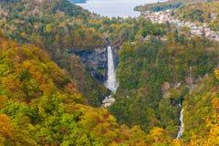 Kegon spadki i Chuzenji jezioro w jesieni, Nikko, Japonia zdjęcie stock