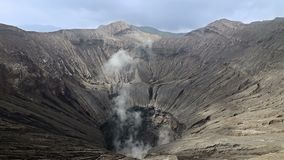 Kehle des aktiven Vulkans stock video