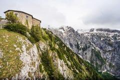 Kehlsteinhaus, Eagle Nest, placé sur le sommet du Kehlstein, un affleurement rocheux qui se lève au-dessus de l'Obersalzberg près photo libre de droits