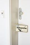 Kehrwoche påminnelse - rotationen av lokalvårdarbetsuppgifter Royaltyfri Foto