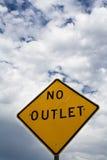 Kein Ausgang-Zeichen mit Wolken Lizenzfreie Stockfotos