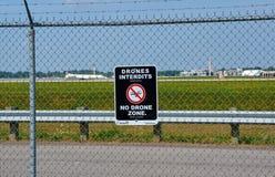 Kein Brummenzonenzeichen und -flugzeug Stockbilder
