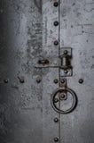 Kein Eintrag - alte Metalltür lizenzfreie stockfotografie