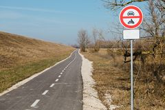 Kein Eintritt für Kraftfahrzeuge - Verschmutzung vermeiden vektor abbildung