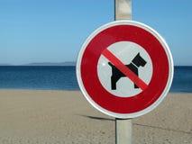 Kein Hundezeichen auf dem Strand Lizenzfreie Stockfotos