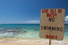 Kein Schwimmenwarnschild in Hawaii stockfotos