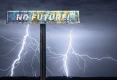 Kein zukünftiger Slogan auf dem Verkehrsschild während des Sturms Stockfoto