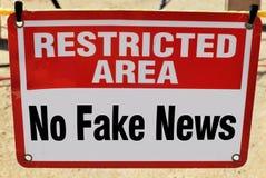 Keine gefälschten Nachrichten lizenzfreies stockbild