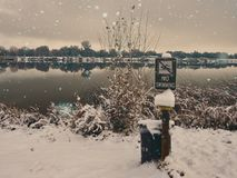 Keine Schwimmen im Dezember stockfotografie