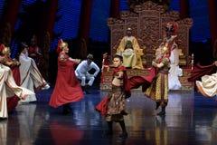 Keizer de lijfwacht-tweede handeling: een feest in de van het paleis-heldendicht de Zijdeprinses ` dansdrama ` stock foto's