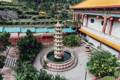 Kek Lok Si寺庙的小塔是佛教寺庙在槟榔岛,并且是其中一个在海岛上的最响誉的寺庙 库存图片