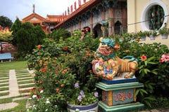 Kek Lok Si tempelträdgård royaltyfria bilder