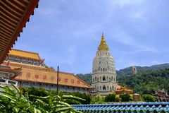 Keken Lok Si Temple Budd Penang Malaysia royaltyfria foton
