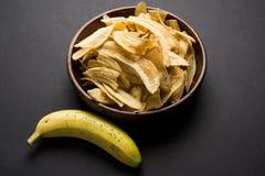 Kela或香蕉油煎的芯片或者薄酥饼 免版税库存图片