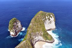 Kelingking-Strand, Indonesien stockbild