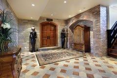 Keller-Foyerbereich lizenzfreies stockbild