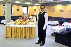 Kellner in einem luxery Hotel Lizenzfreies Stockbild