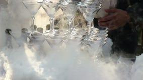 Kelner Pouring Champagne With Liquid Nitrogen stock videobeelden