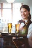 Kelnerki mienia piwa Obraz Stock
