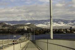 Kelowna bro Fotografering för Bildbyråer