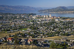Kelowna und Okanagan See Stockbilder