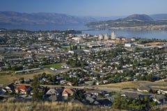 Kelowna y lago Okanagan Imagenes de archivo