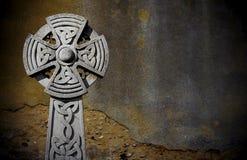 Keltische grafsteen stock foto's