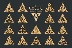 Keltischer Dreiheitsknoten des Vektors 18 Einzelteile Ethnische Verzierung geometrisch Stockbild