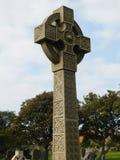Keltisches Kreuz im Friedhof auf Lindisfarne die heilige Insel Lizenzfreie Stockbilder
