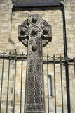 Keltisches Kreuz mit gesponnenen Bereichen - Schottland Lizenzfreie Stockfotos