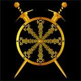 Keltisches Schild mit Gold und Klingen Lizenzfreies Stockbild