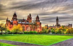 Kelvingrove museum och Glasgow University Royaltyfria Bilder
