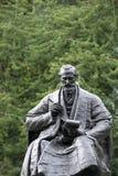 Kelvingrove parkerar, Glasgow, Skottland, F?renade kungariket, September 2013, statyn och minnesm?rken till Lord Kelvin arkivfoton