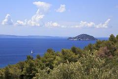 Kelyfos (sköldpadda) ö i det Aegean havet Royaltyfri Bild