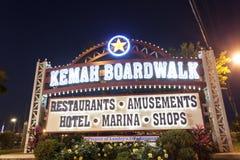 Kemah木板走道入口在晚上 库存图片