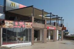 KEMER, ΤΟΥΡΚΊΑ - 7 ΜΑΐΟΥ 2018: εστιατόριο McDonald ` s γρήγορου φαγητού Στοκ εικόνα με δικαίωμα ελεύθερης χρήσης