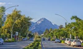 KEMER, ТУРЦИЯ - 3-ье октября 2017: Дороги Ataturk Bulvari в Kemer стоковое фото rf