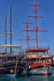 KEMER, TURCJA - 11,08,2017 Turystycznych piratów statków w porcie K Obraz Stock