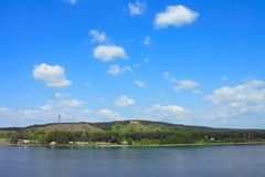 Kemerovo, vista sulla sponda destra del fiume Tom Immagini Stock Libere da Diritti