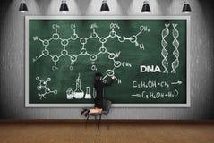 Kemisk intrig för kvinnateckning royaltyfri bild