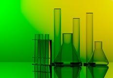 Kemisk labbutrustning - Erlenmeyer flaska, provrör och exponeringsglas Fotografering för Bildbyråer